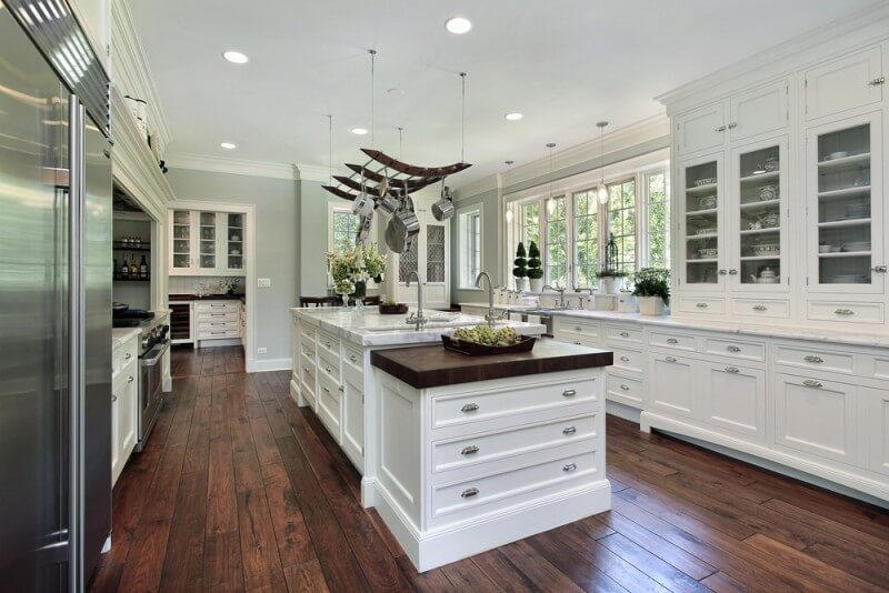 31 Kitchens With White Cabinets