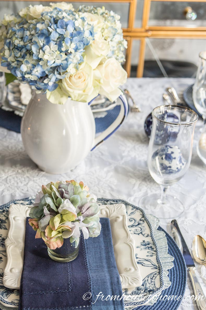Hydrangea-Inspired Blue and White Table Setting : blue and white table settings - pezcame.com