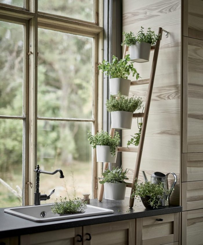 36+ DIY Plant Stand Ideas for Indoor and Outdoor Decoration | TickAbout